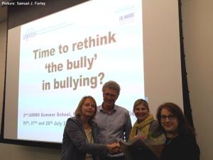 Pesten op het werk, dader aanpak, bullying